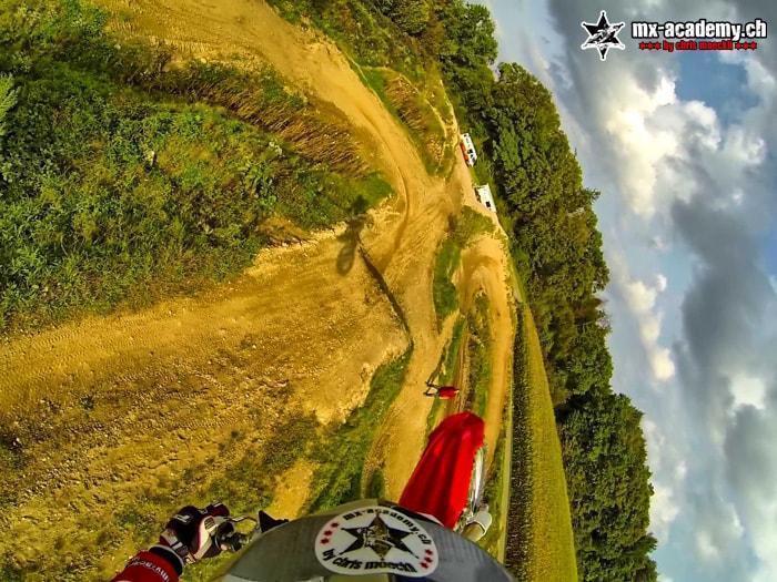 Motocross Team - Die Sprungtechniken von den Profis lernen - Whip - hier mit Chris Moeckli