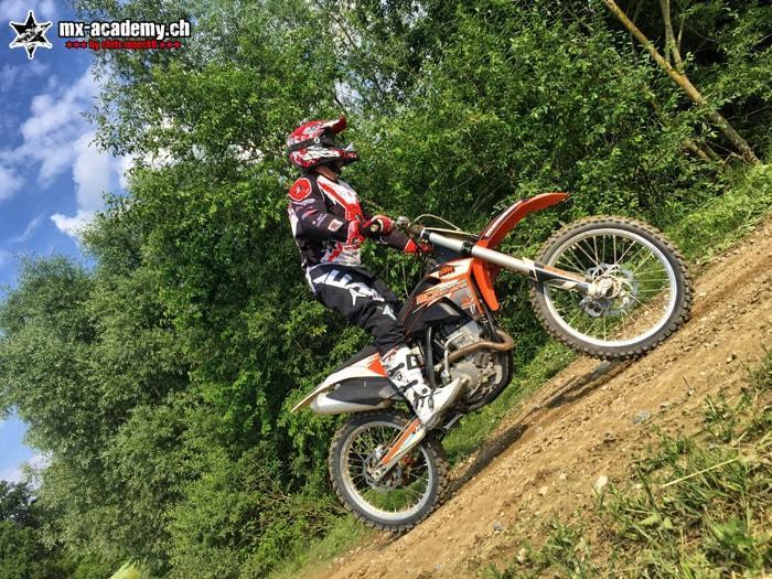 Motocross Team mit eigenem Motorrad