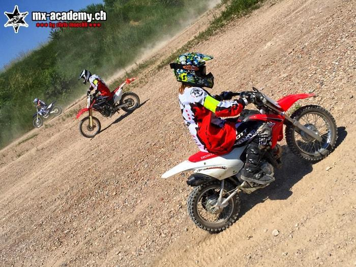Apprendre a conduire moto cross