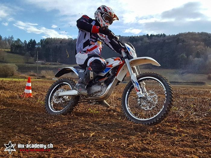 Riding E-Motocross