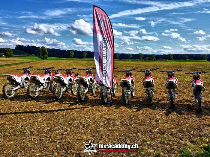 Motocross riding at MX-Academy of Chris Moeckli