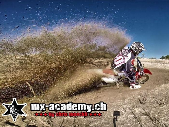 Learn Motocross riding with Chris Moeckli – Chris Moeckli demonstrates
