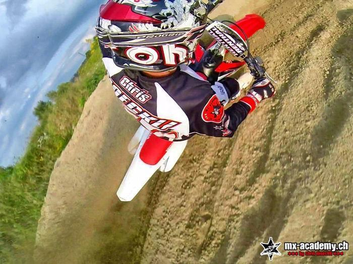 Learning in the Motocross Team – riding curves