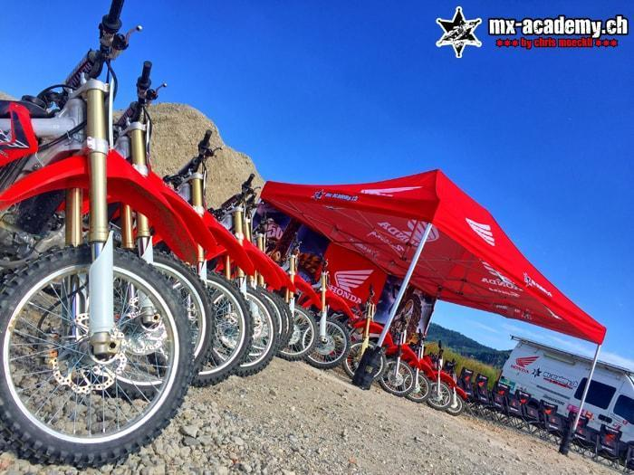 Rouler en dirt-bike | Camps de la MX-Academy