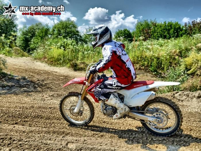 Comment conduire moto cross