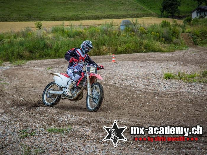 Riding Supermoto in Switzerland – Learing to drift at MX-Academy
